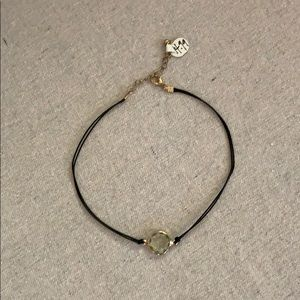 Choker necklace with light green stone